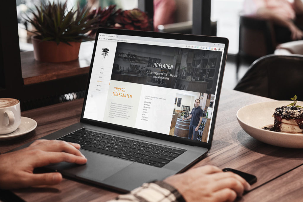 Cafe-Alte-Zuckerfabrik_website_mockup_laptop